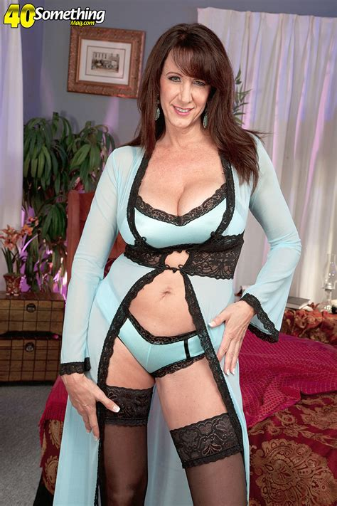 The Ultimate Cougar Cassie Cougar Masturbating In Stockings Pichunter Online Porn Video At