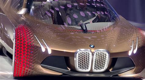 Ultra-futuristic Self-driving 'vision Next 100' Bmw