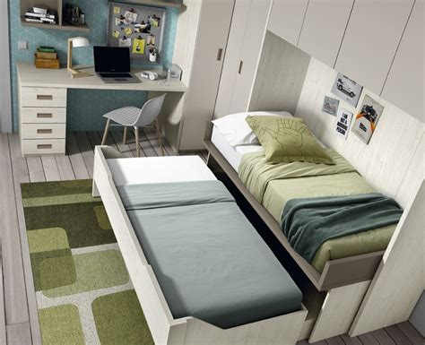 bureau gigogne chambre avec lit gigogne bureau et armoire pont