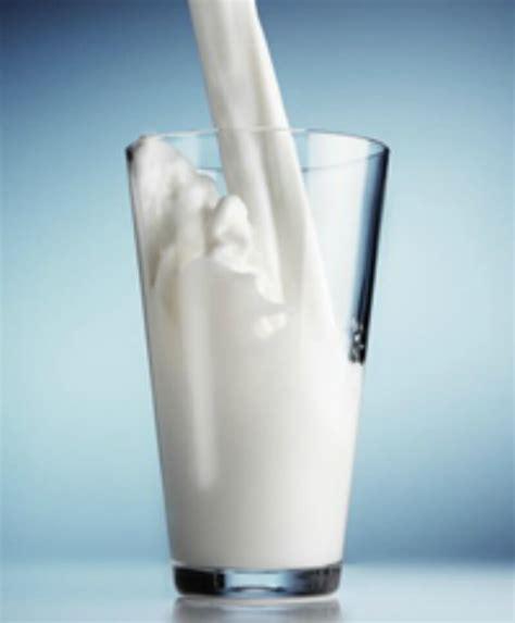 Kesehatan Kandungan Wanita Kulit Putih Berseri Dengan Susu Sapi