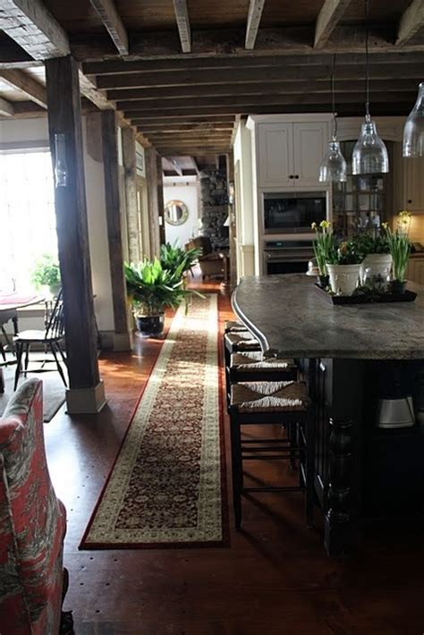 isnt  typical light  airy kitchen repin