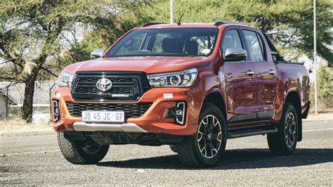 toyota hilux legend   launch review carscoza