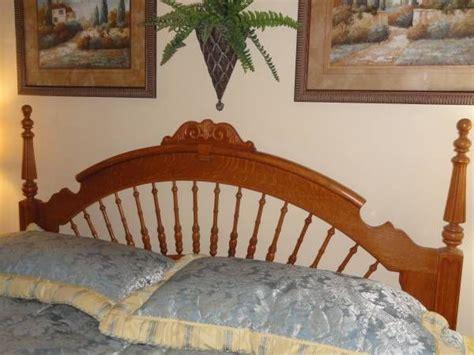 Lexington Victorian Sampler Collection King Mansion Bed