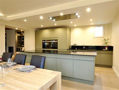 cuisine ouverte avec ilot central cuisine design avec îlot central modèle