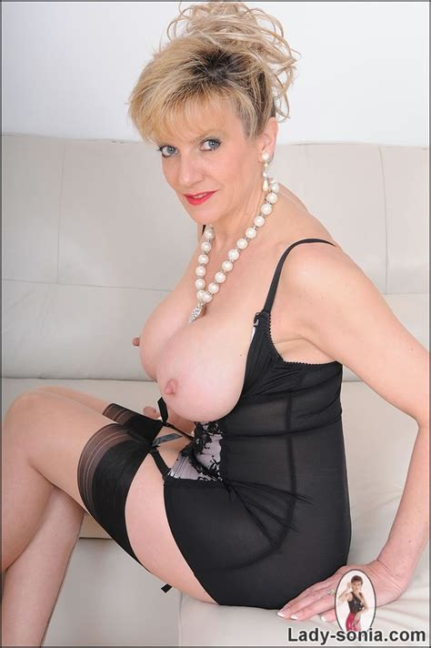 High end glamorous lingerie mature Lady Sonia - Pichunter