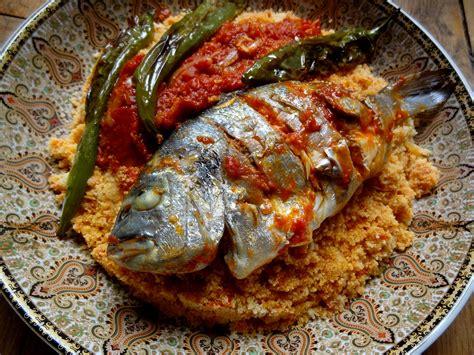 poisson cuisiné couscous au poisson de sfax tunisie la tendresse en
