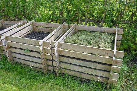 Lada Di Wood Prezzo by How To Build A 3 Section Compost Bin With Wood Pallets