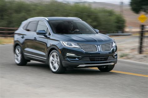 2018 Lincoln Mkc 23 Front Three Quarter In Motion