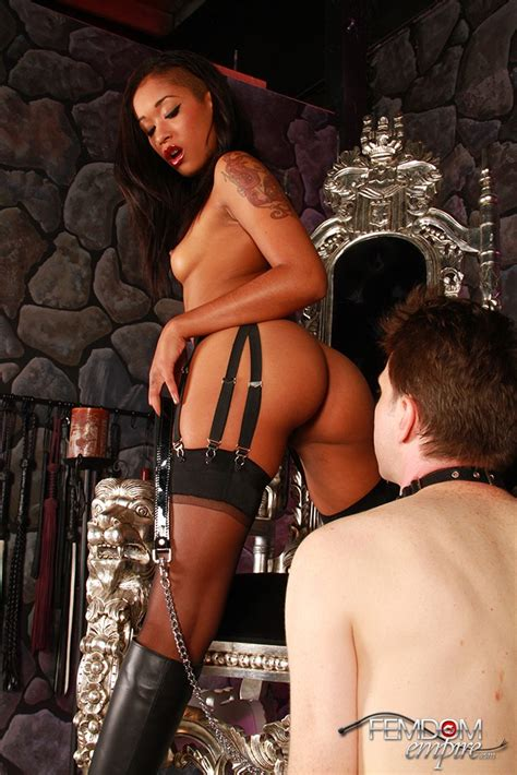 Sexy Ebony Queen On Throne And Makes Man In Xxx Dessert