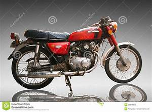 Moto Retro 125 : moto classique honda de vintage 125 cc utilisation ditoriale seulement utilisation image ~ Maxctalentgroup.com Avis de Voitures