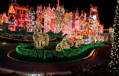 disneyland resort christmas 2016 festivities press