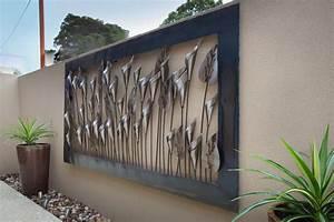Vinbrant outdoor metal art work