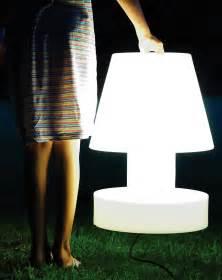Lampe Anschließen 2 Kabel Ohne Farbe : lampe ohne kabel tragbar kabellos mit akku h 40 cm wei h 40 cm by bloom made in design ~ Orissabook.com Haus und Dekorationen
