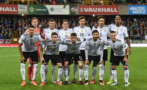 منتخب ألمانيا لكرة القدم (بالألمانية: منتخب ألمانيا يتطلع لمعادلة إنجاز إسبانيا منذ 8 سنوات