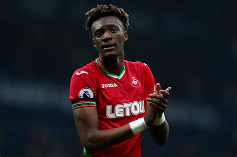 chelsea news tammy abraham urged  join frank lampard