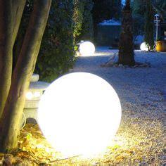 le boule a poser au sol eclairage led plinthe couloir idee pour escalier exterieur am 233 nagement exterieur led