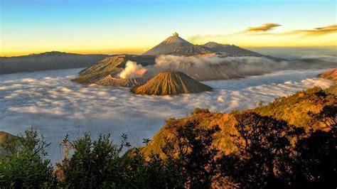 menikmati sunrise  gunung bromo serasa melihat lukisan
