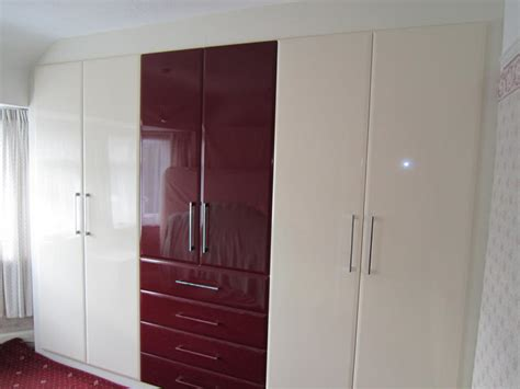 gloss wardrobes bespoke bedroom furnitue