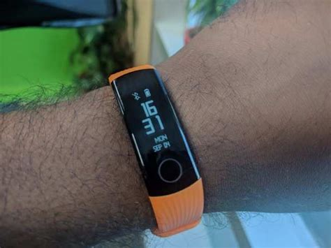 honor band  review  honorable fitness band gadgets