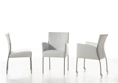 chaises accoudoirs monet chaise avec accoudoirs by joli