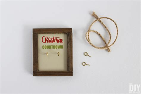 Christmas Countdown Ornament Dulux Exterior Paint Painting Window Sills Interior Oil Texture Techniques Knockdown Nippon Farrow And Ball Ideas Sheen What Is The Difference Between