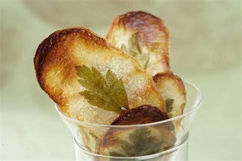 recette de tuiles croutillantes de pomme de terre aux