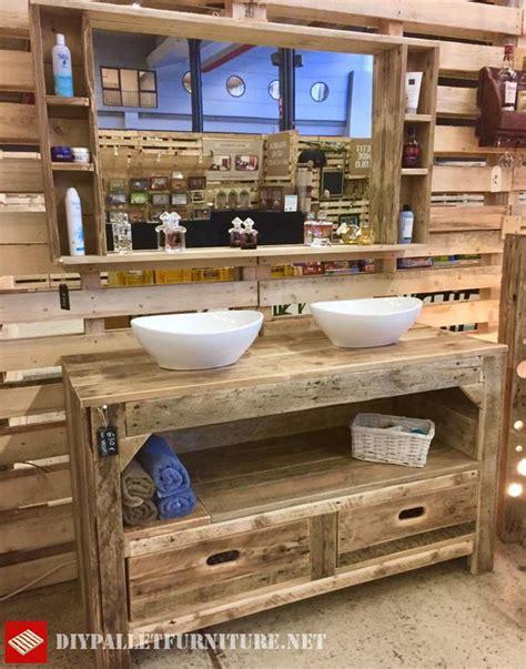 un tamis cuisine meuble de salle de bain et miroir avec palettesmeuble en