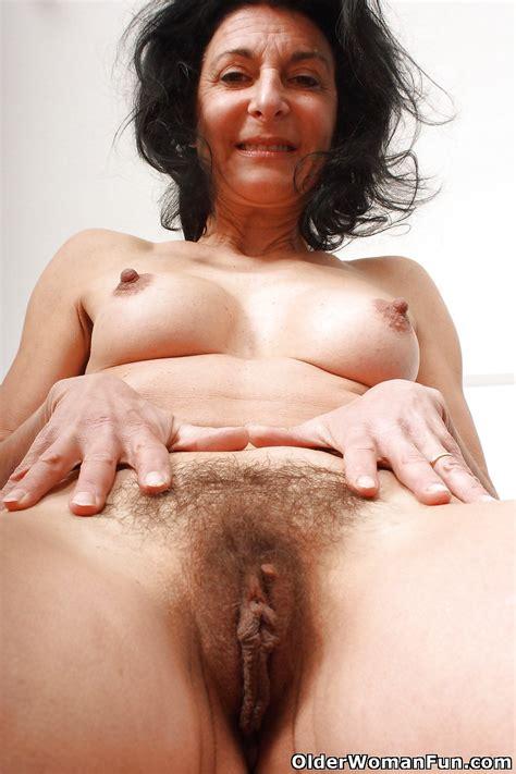 Hairy Grandma Emanuelle From Olderwomanfun 16 Pics