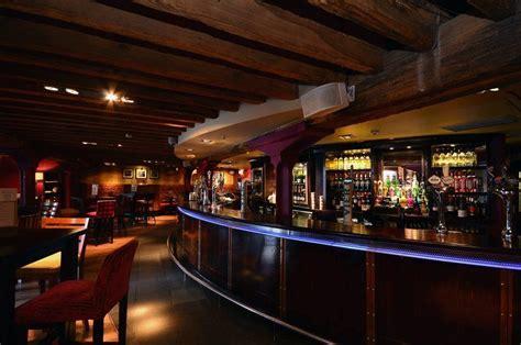 Henry's Cafe Bar Canary Wharf London Designmynight