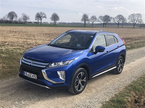 The mitsubishi eclipse cross is a compact crossover suv produced by japanese automaker mitsubishi motors since october 2017. Mitsubishi Eclipse Cross: Einfach anders