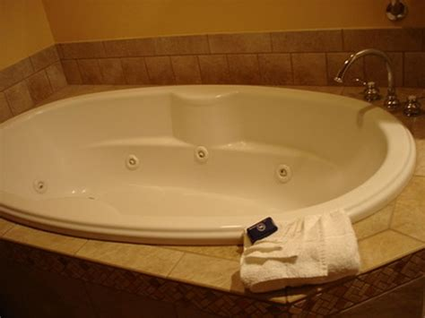 how to paint a porcelain tub sink or toilet hunker