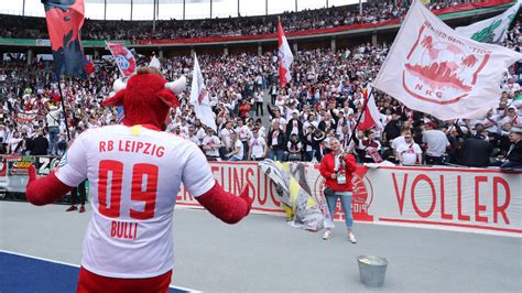 The race for the champions league schmadtke reacts angrily to rb leipzig's continued interest in lacroix. Nach dem Finale gegen FC Bayern: 200 Fans begleiten RB ...