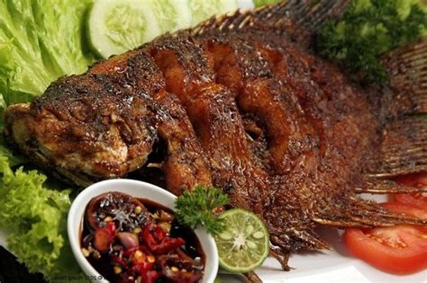 Bumbu ikan nila bakar yang dihaluskan: Resep dan Cara Membuat Ikan Nila Bakar Bumbu Kecap yang Gurih dan Lezat - Selerasa.com