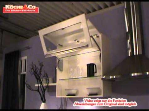 terrassenüberdachung mit glas k 252 che co h 228 ngeschrank mit faltliftt 252 r in glas wmv