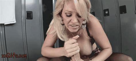 huge tit milf making cock shake xxgifs