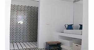 une petite salle de bain deco avec douche italienne With conseil carrelage petite salle de bain