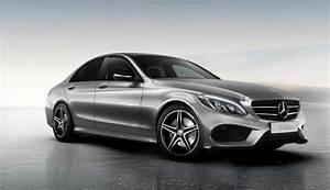 Mercedes Classe C Noir : mercedes assombrit la classe c gr ce au pack night ~ Dallasstarsshop.com Idées de Décoration