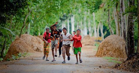 Bangladesh Development | Paul Joseph Brown Photography