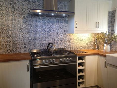 kitchen tiles and splashbacks kitchen tiles splashback patterned tiles from spain 6287