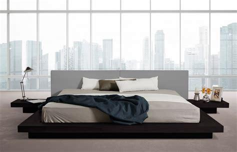 Modrest Opal Modern Low Profile Black Oak and Grey Leatherette Platform Bed
