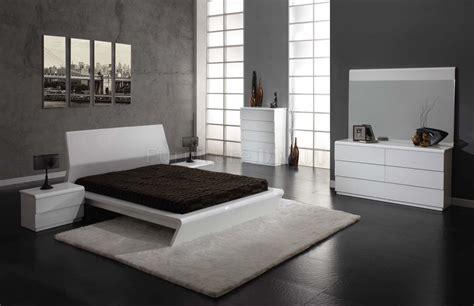 White Modern Bedroom Furniture Set