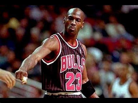 bulls  sixers    season michael jordan