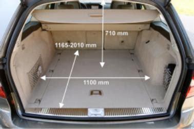 Mit dem facelift hält eine neue lenkradgeneration einzug, deren kapazitive sensoren im. ADAC Auto-Test Mercedes E 220 CDI BlueEFFICIENCY T-Modell Elegance 7G-TRONIC PLUS
