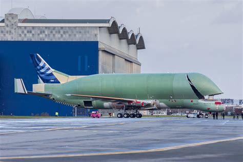 Le premier Airbus BelugaXL fait sa première sortie à ...