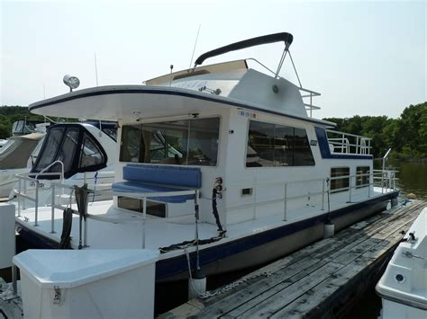 Boat Dealers Red Wing Mn by 1989 Gibson 41 Standard Power Boat For Sale Www