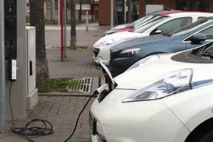 Chargement Batterie Voiture : la recharge des voitures lectriques automobile propre ~ Medecine-chirurgie-esthetiques.com Avis de Voitures