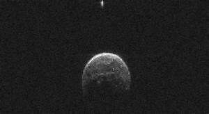 UFO Trails Giant Asteroid In NASA Photo During Near-Miss ...