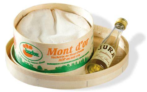 cuisiner le mont d or la boîte chaude de la fromagerie badoz fromage réputé aop