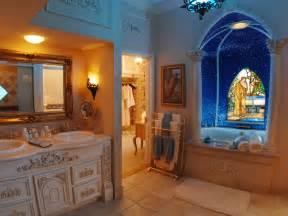 Master Bathroom Decorating Ideas Pictures Luxurious Master Bathroom Design Plushemisphere