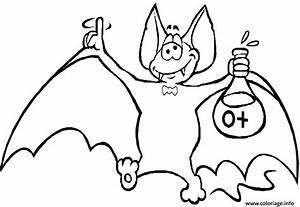 Dessin Halloween Vampire : coloriage chauve souris vampire ~ Carolinahurricanesstore.com Idées de Décoration